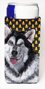 Carolines Treasures SC9496MUK Alaskan Malamute Candy Corn Halloween Michelob Ultra bottle sleeves For Slim Cans - 12 Oz.