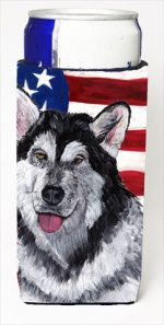 Carolines Treasures SC9497MUK Alaskan Malamute USA Patriotic American Flag Michelob Ultra bottle sleeves For Slim Cans - 12 Oz.