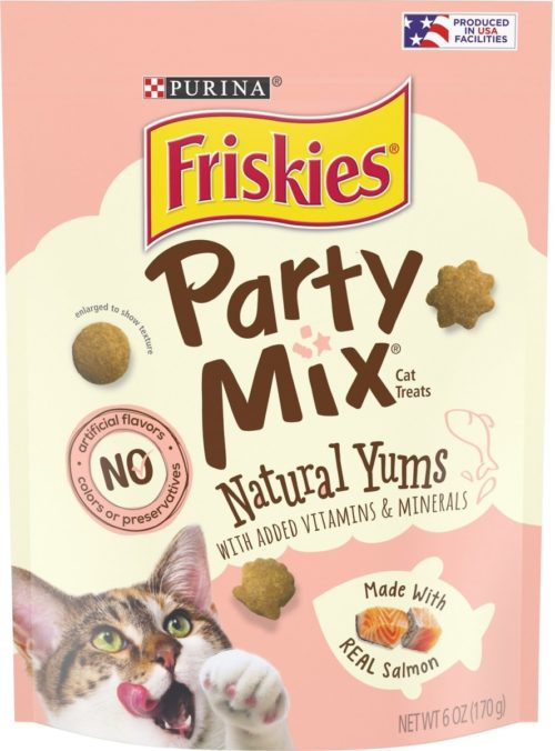 050860 6 oz Friskies Party Mix Natural Yums with Real Salmon Cat Treats - Pack of 6